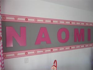 Naomi (2)