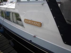 Doerak_Marianne_naambord (3)
